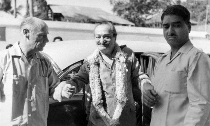 Weekly Reflections No. 29 - Meher Baba's First Visit to Avatar's Abode, Australia // India: Francis, Baba & Eruch Jessawala - Courtesy of MN Collection
