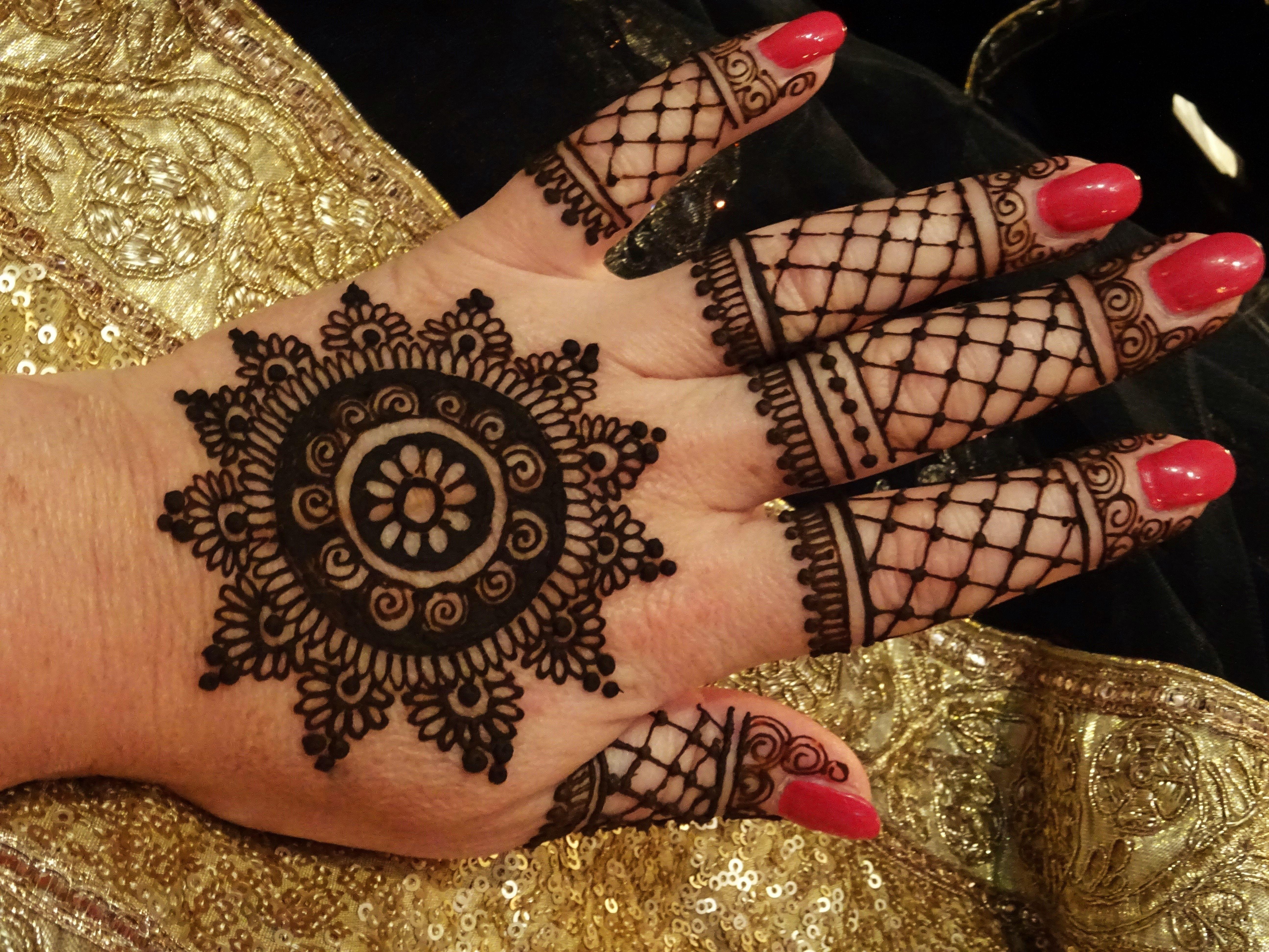 Henna Tattoo Kaufen Basel: Mandala With Netdesign
