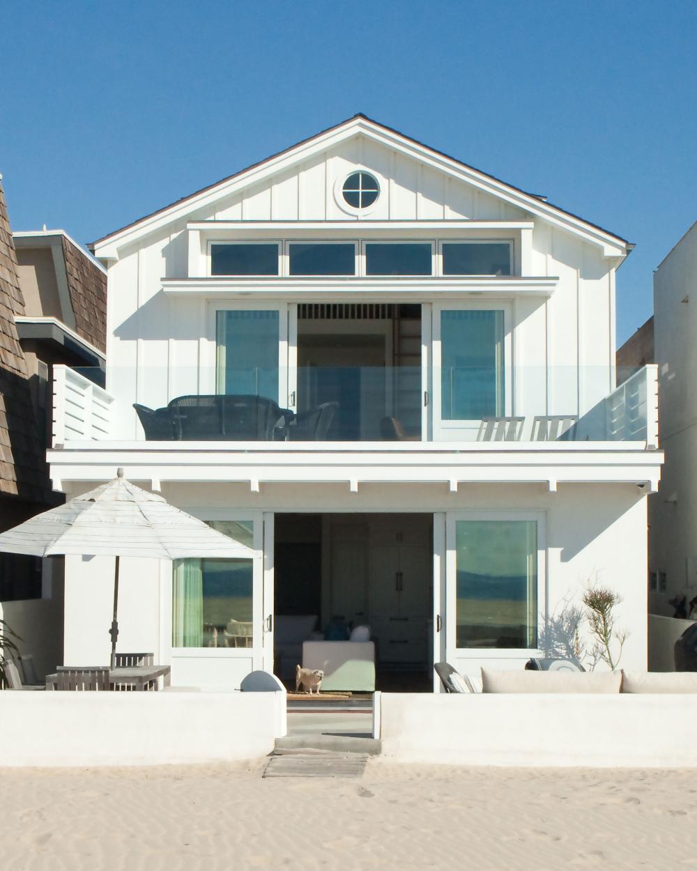 Life S A Beach In 2020 Modern Beach House Decor Beach House Decor Beach Cottage Design