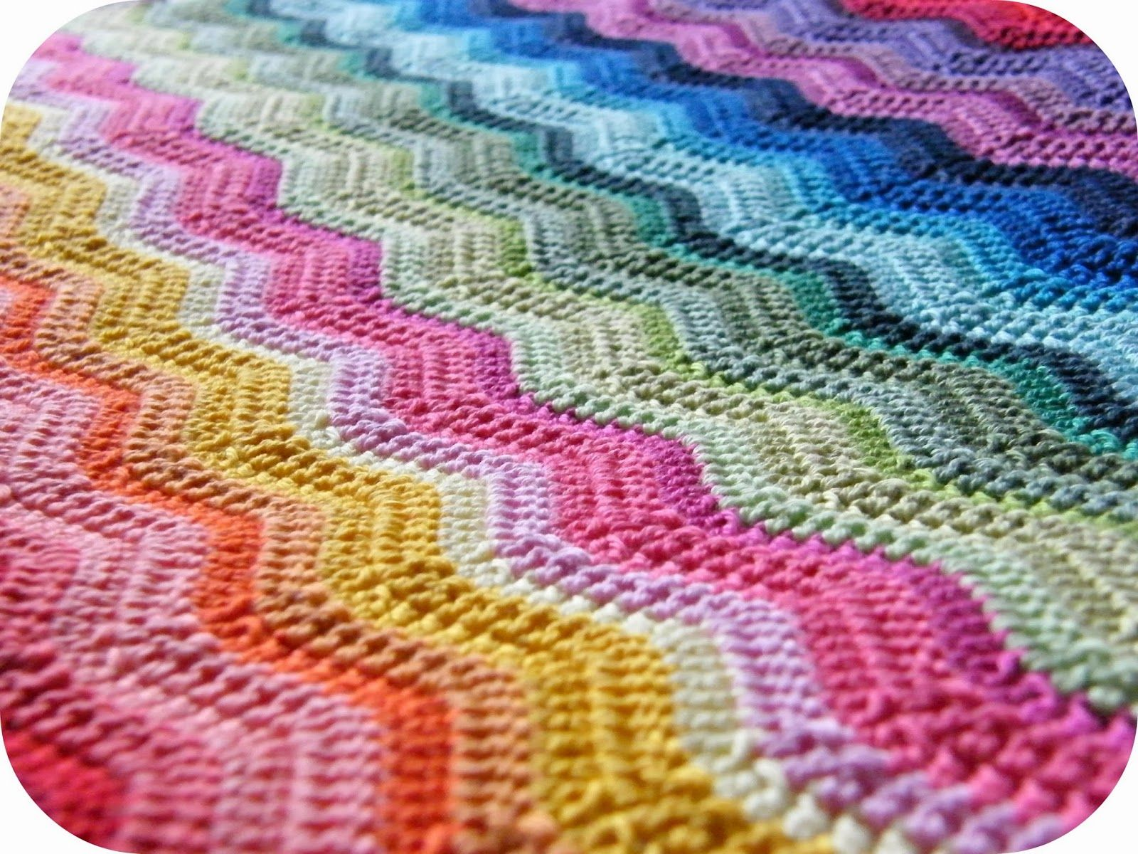 Annie\'s Place: Rainbow ripple - from Lucy\'s pattern here: http ...