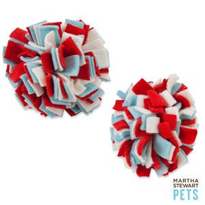 Diy This Fleece Fringe Ball Toy Diy Dog Stuff Diy Cat Toys