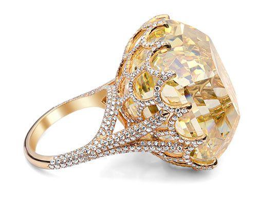 The 110-carat Cullinan Yellow Asscher-cut Diamond – photo c/o French Vogue