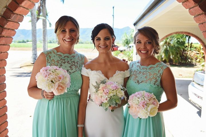Mint green bridesmaid + pastel bouquets