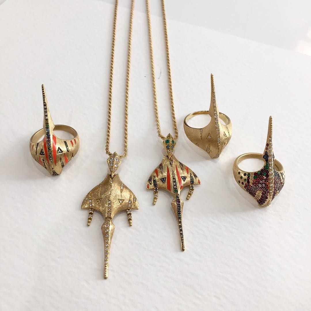 We seek out the world's most beautiful gold jewellery, the ...