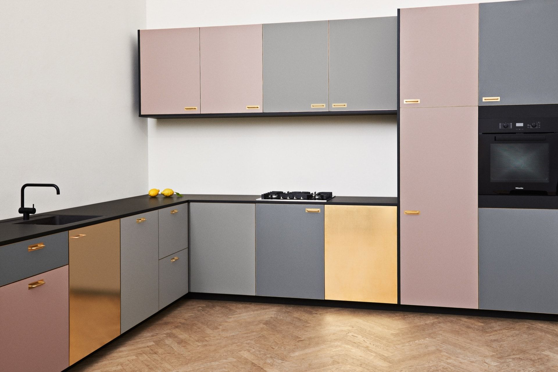 Reform S Ikea Kitchen By Meyer Bengtsson A Design In Laminate With Black And Brass That Gives Kitchen Inspiration Design Kitchen Inspirations Kitchen Interior