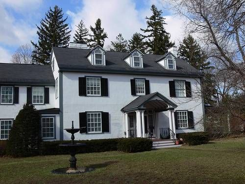 Colonial Revival Houses And Neocolonial Houses White Exterior Houses Colonial Exterior House Exterior