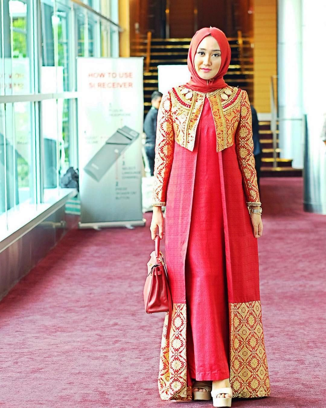 Kebaya Modern Kombinasi Hijab untuk Pesta 2017 | kebaya kartini ...