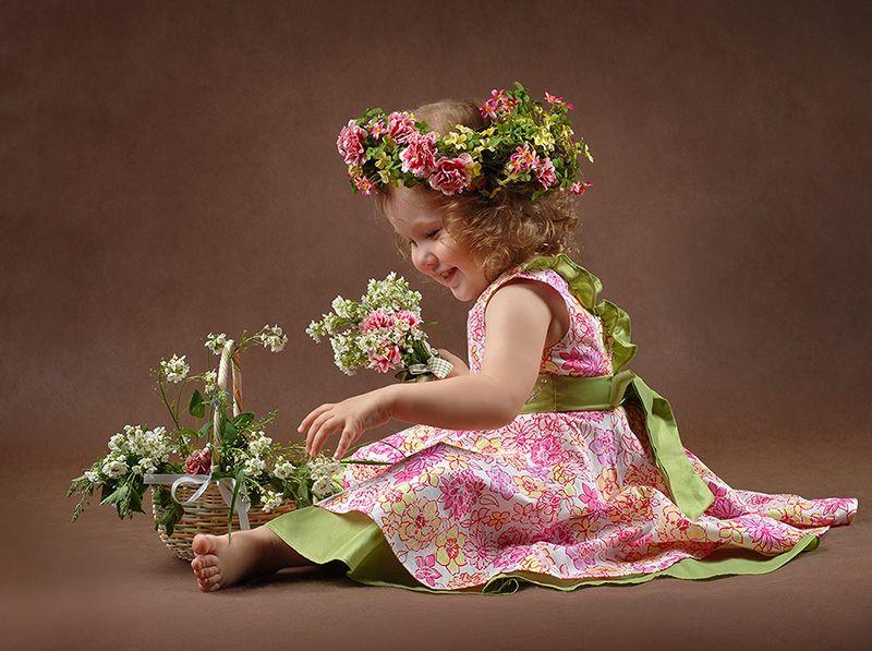 Открытки дети цветы