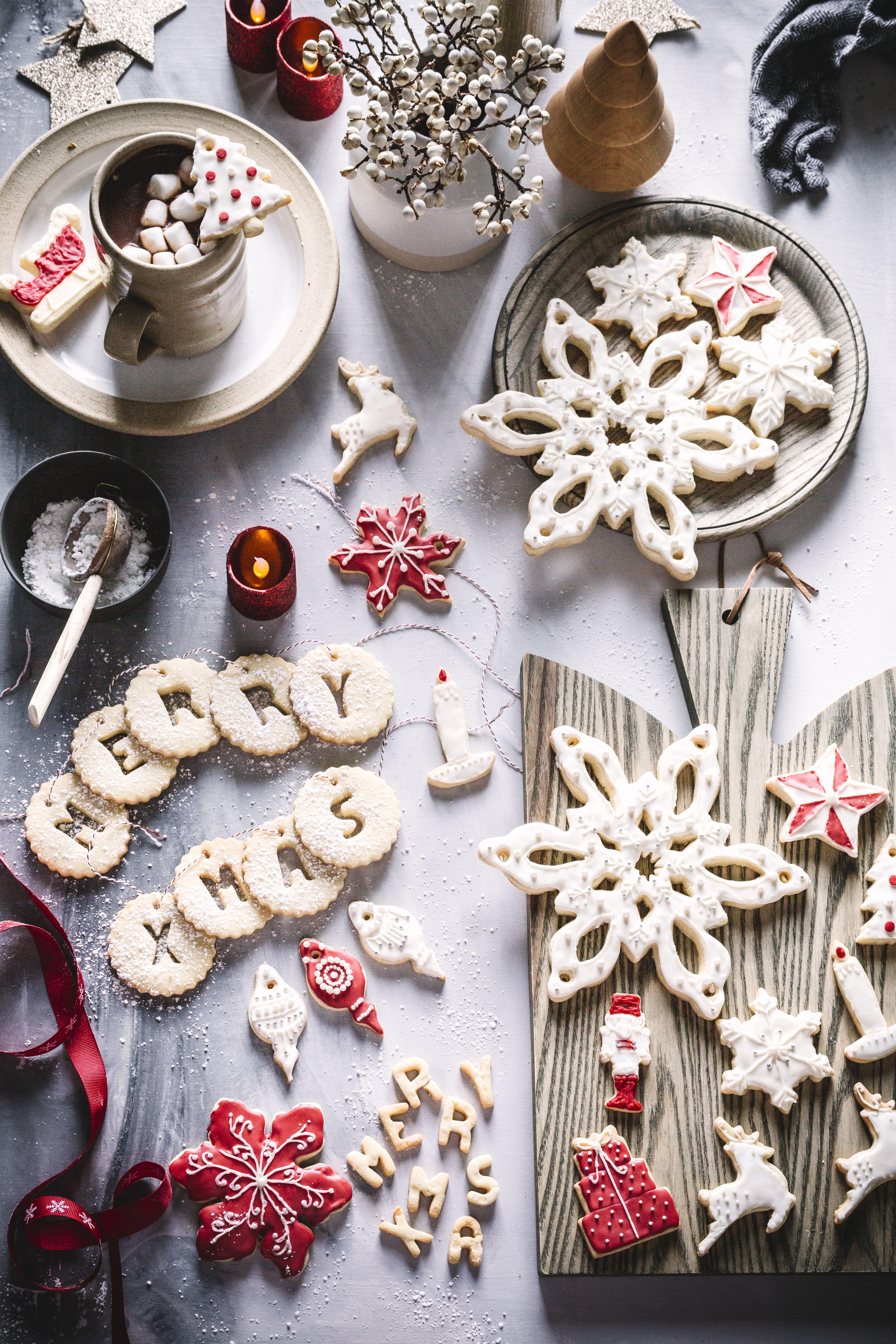 Frosted Holiday Sugar Cookies   Holiday sugar cookies, Sugar cookies, Cookies