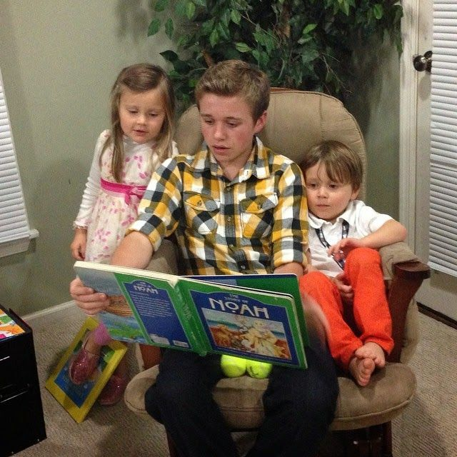 Story Time With The Grand-Duggars In 2020