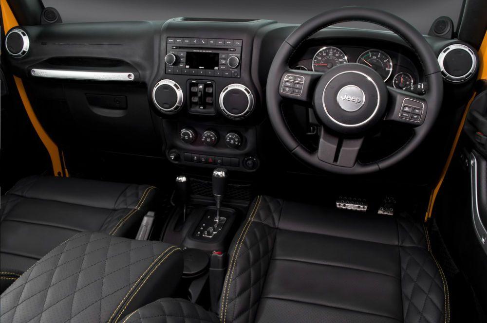 2013 Jeep Wrangler Black Interior