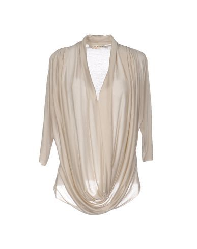 ALICE AND OLIVIA T-shirt. #aliceandolivia #cloth #dress #top #skirt #pant #coat #jacket #jecket #beachwear #