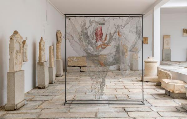 Visit Greece | The Palace at 4 a.m. (Until 31/10/2019) #events #culture #Mykonos #exhibition #contemporary #art #sculptures #statues #vessels #Cyclades #ArchaeologicalMuseum #travel #VisitGreece #visitgreece