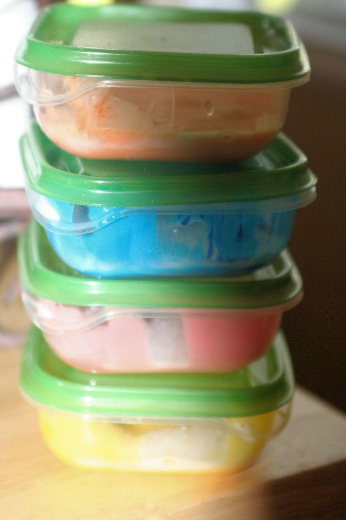 Homemade Bath Paint Cup Clear Soap Add Cornstarch And Food Coloring U Have It