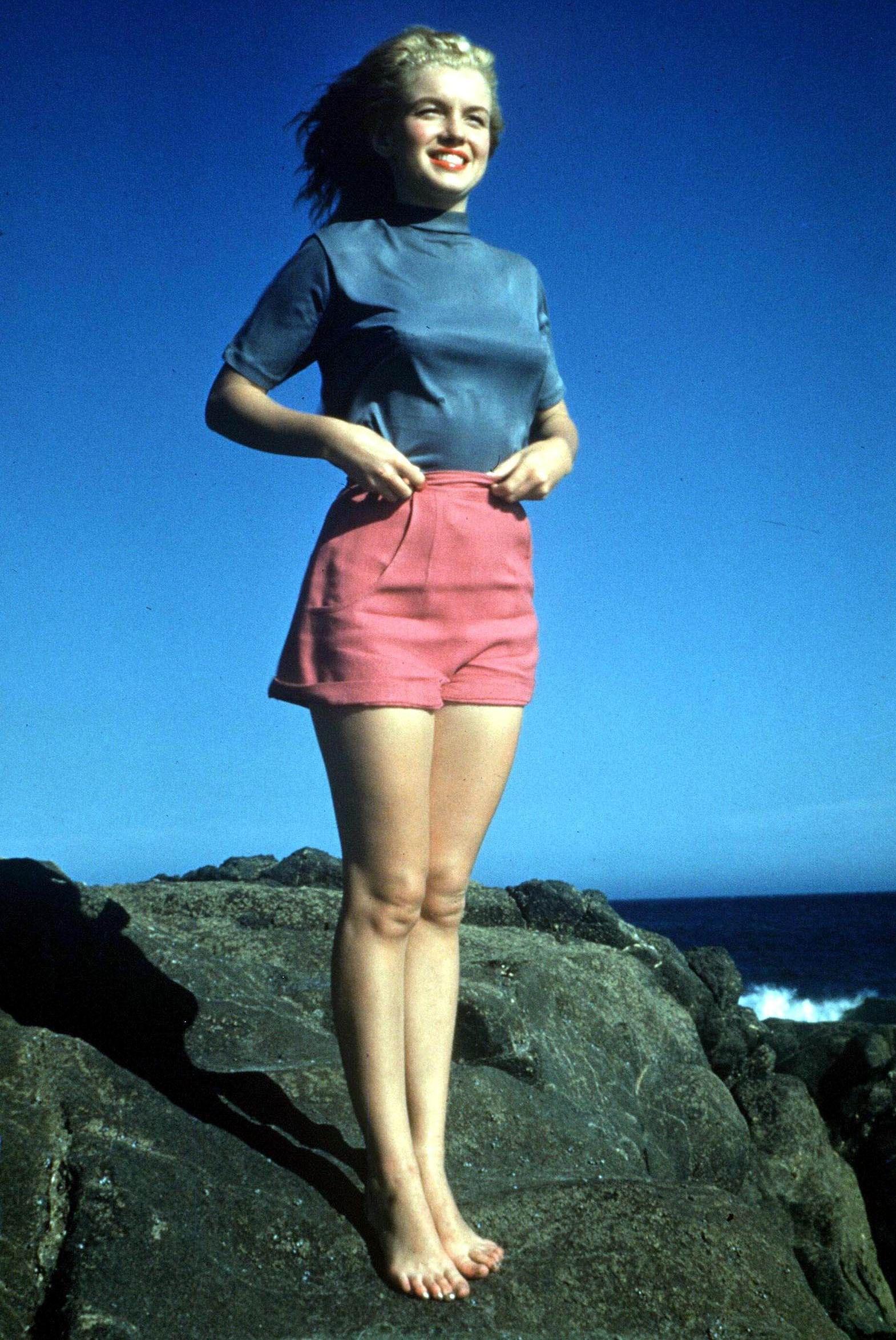 Marilyn Monroe | Earl Moran Pin-up | Pinterest | Marylin monroe
