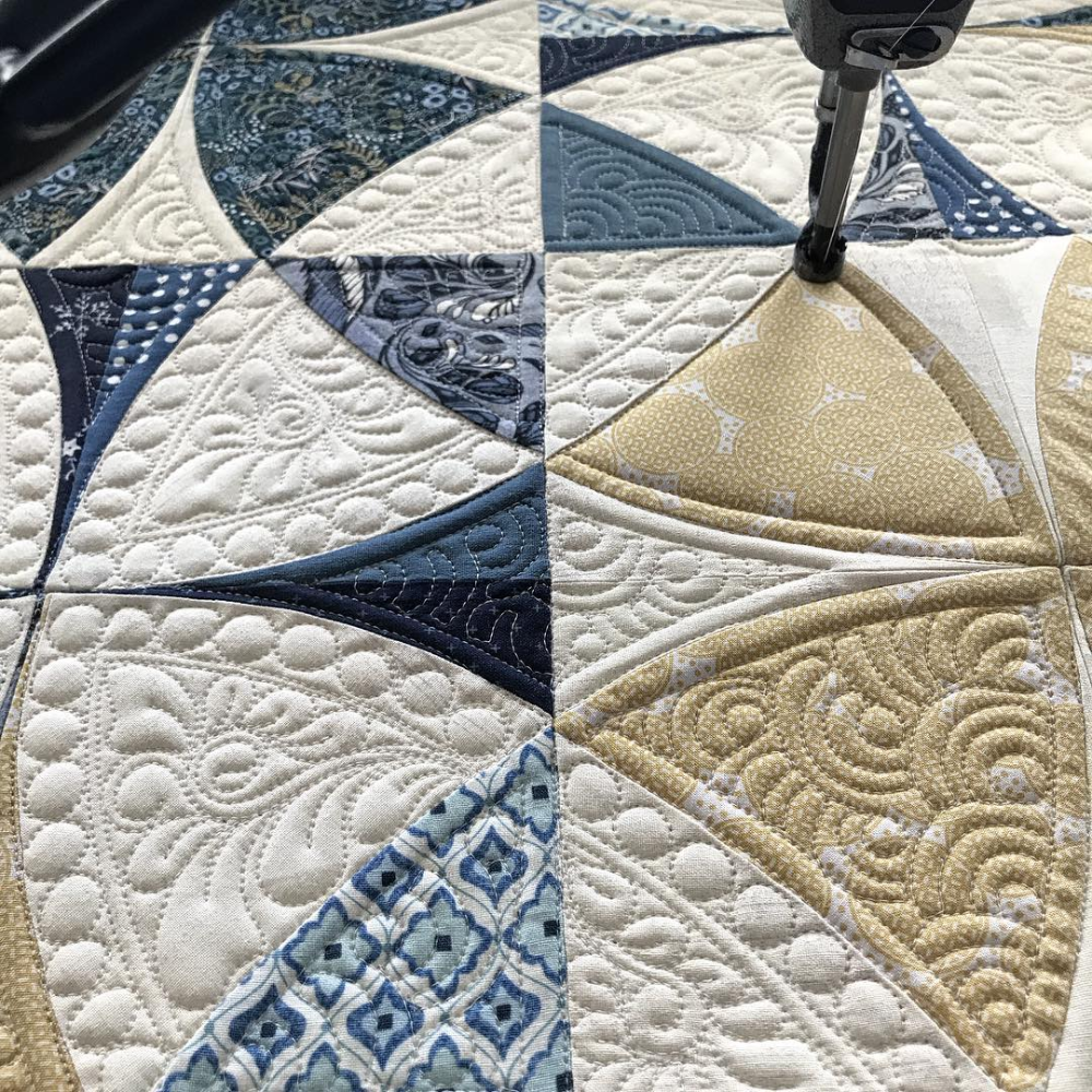 Sherilyn Mortensen Designs On Instagram This Picture Was Taken When I Was On A Longarm Quilting Designs Machine Quilting Designs Free Motion Quilt Designs