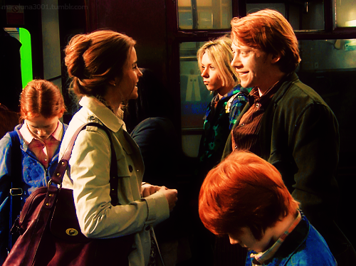 Ron and hermoine married with children ron hermonie - Hermione granger and ron weasley kids ...