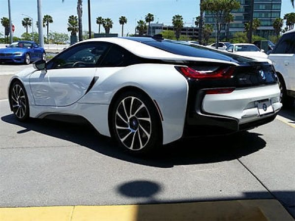 BMW I8 16 2DR CPE Bmw I 8 2 Dr Cpe New Coupe Automatic Gasoline 15 L 3 Cyl Crystal White Pearl M