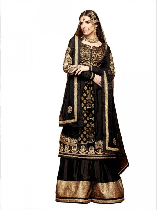 black and gold fit for a princess!