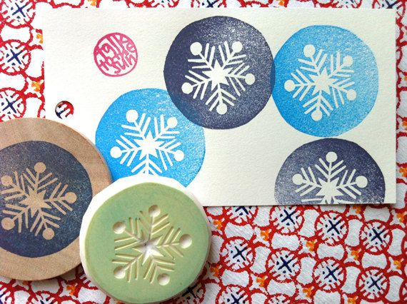 Snowflake rubber stamp | pattern hand carved stamp | winter crafts + diy christmas #rubberstamping