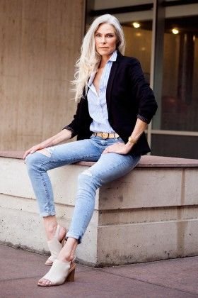 Ripped Jeans And A Blazer Get Great Fashion Tips At