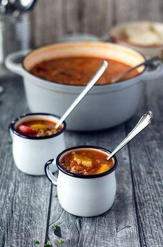 Aromatische und kalorienarme Gefüllte-Paprika-Suppe - Eine Prise Lecker