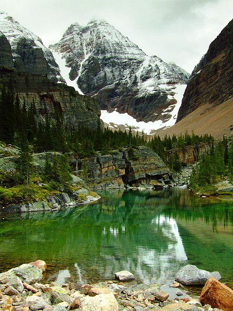 Lake Victoria and Glacier Peak in Yoho National Park, Canada (by BoscoMtn)