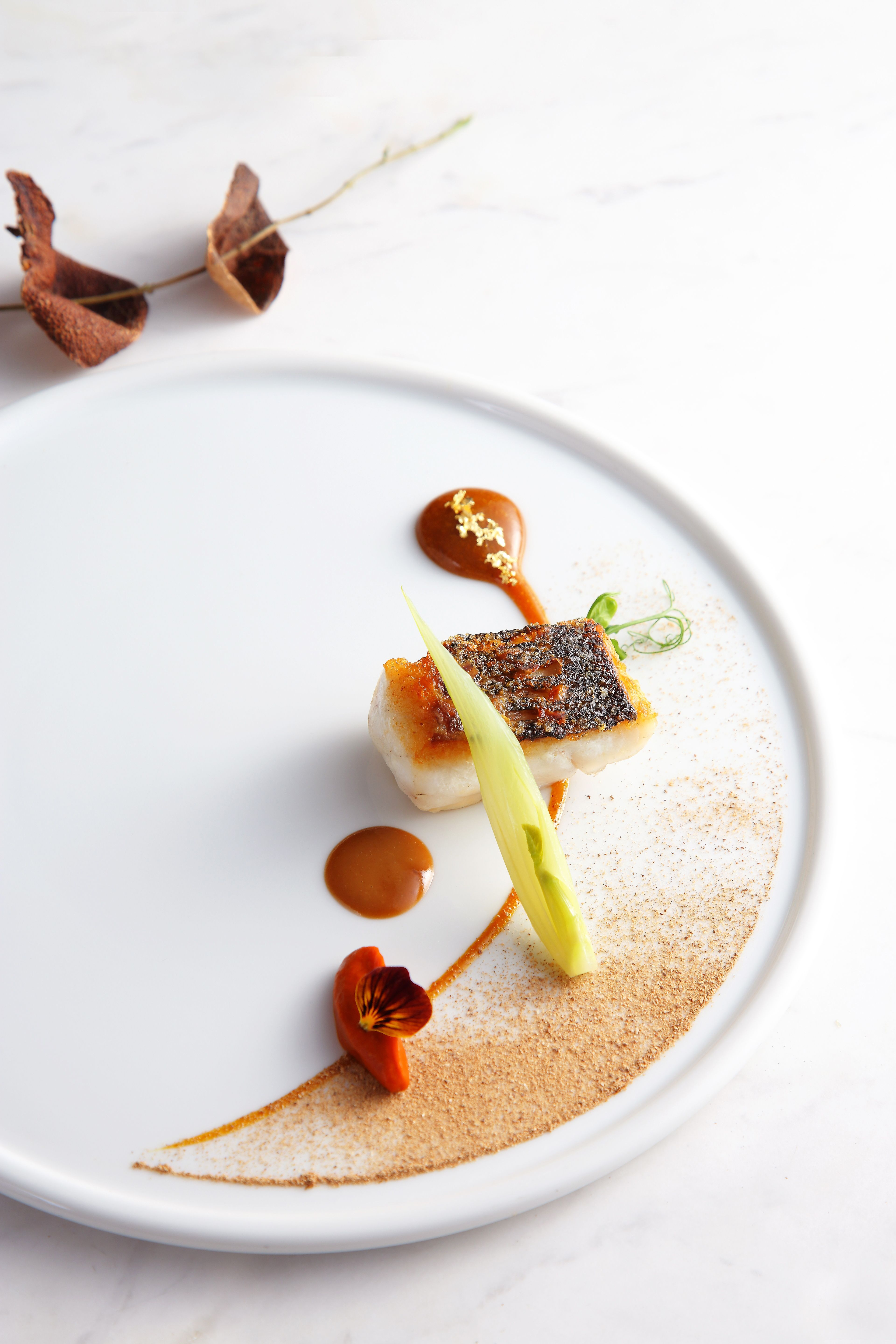 Tate tate dining room fine dining hong kong vicky lau for Fine dining food