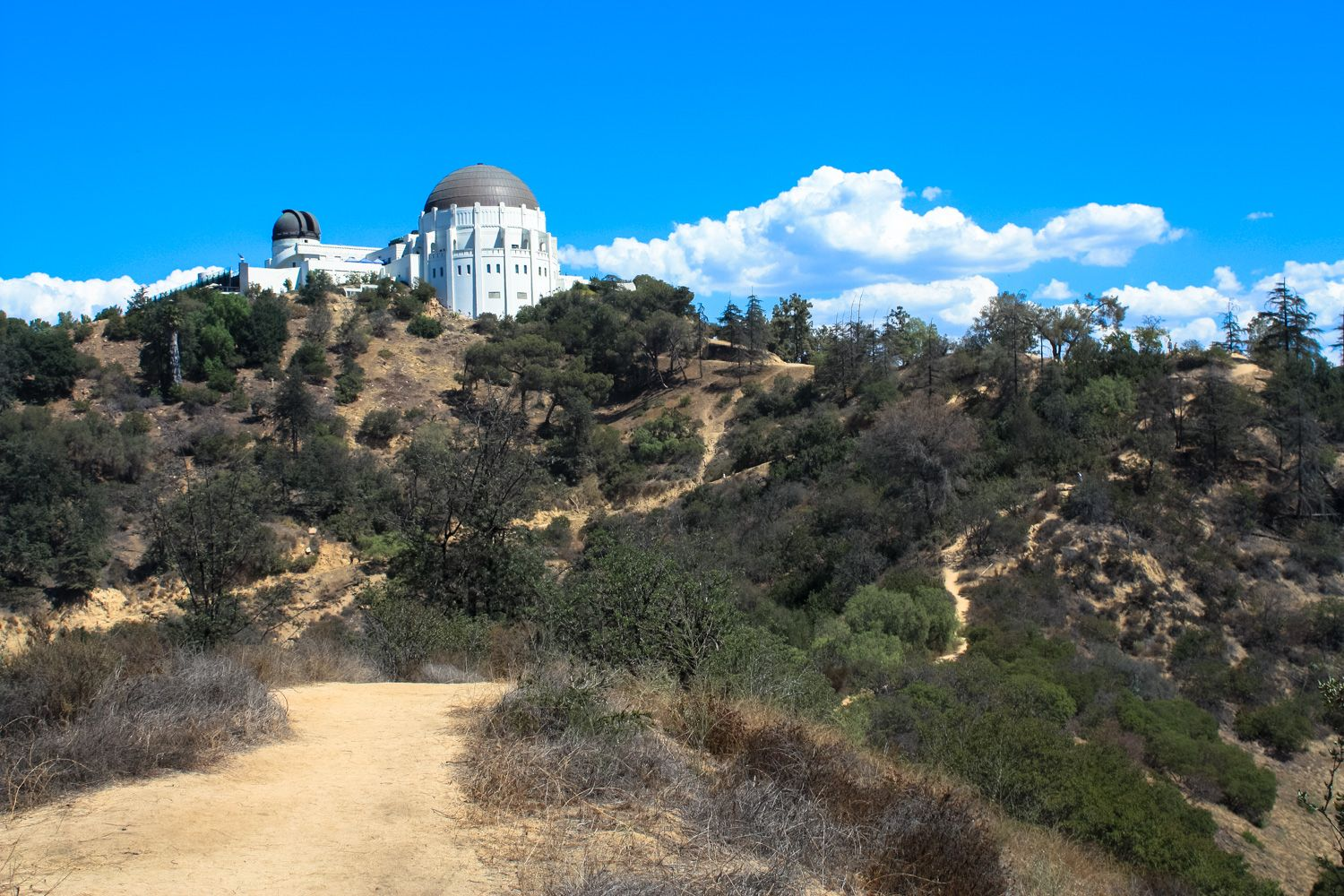 One Of The Most Popular Trails To One Of The Most Popular Attractions In Griffith Park The West Observ Hikes In Los Angeles Griffith Park Griffith Observatory