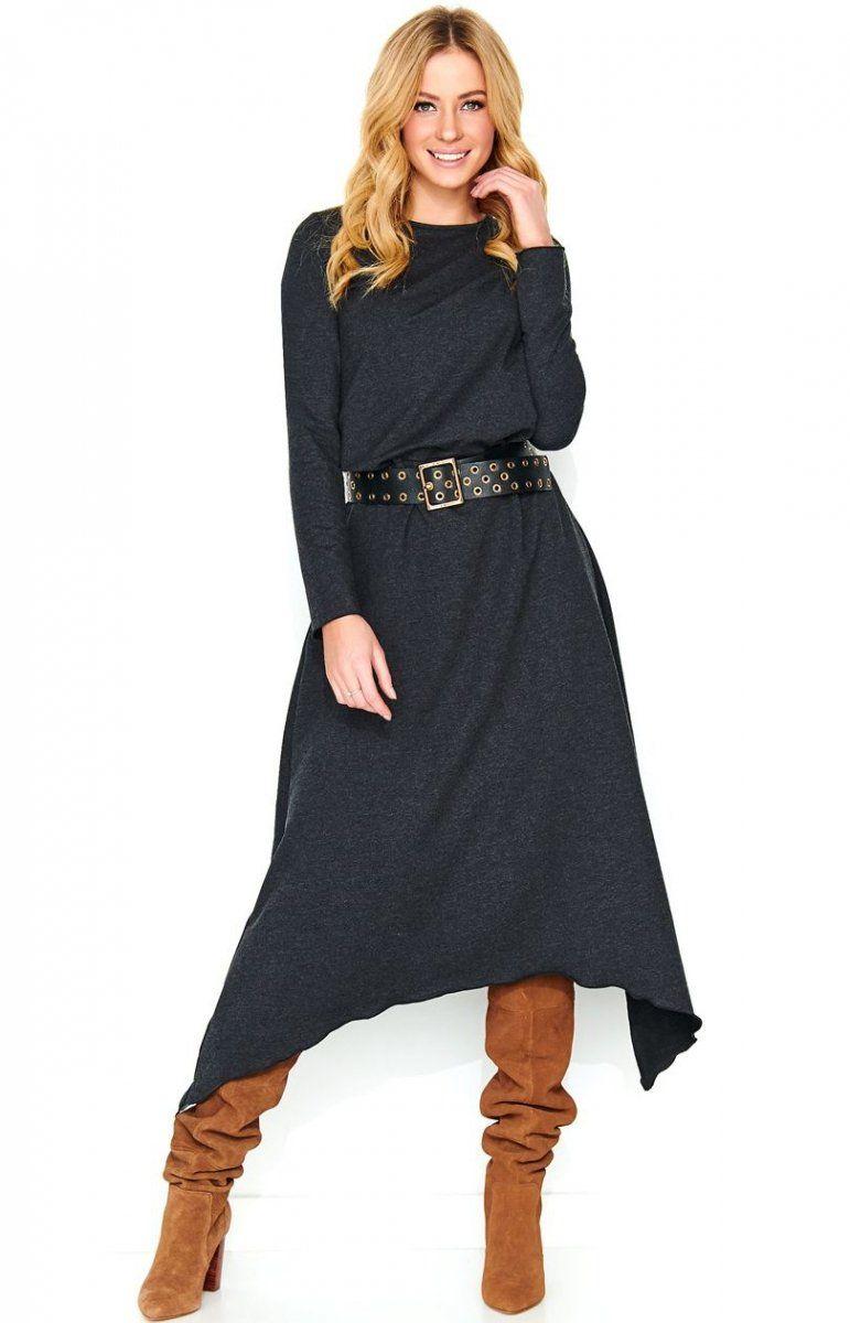 6a8daff575 Stylowa sukienka maxi wykonana z wysokiej jakości materiału dresowego.  Posiada swobodną formę dzięki czemu jest