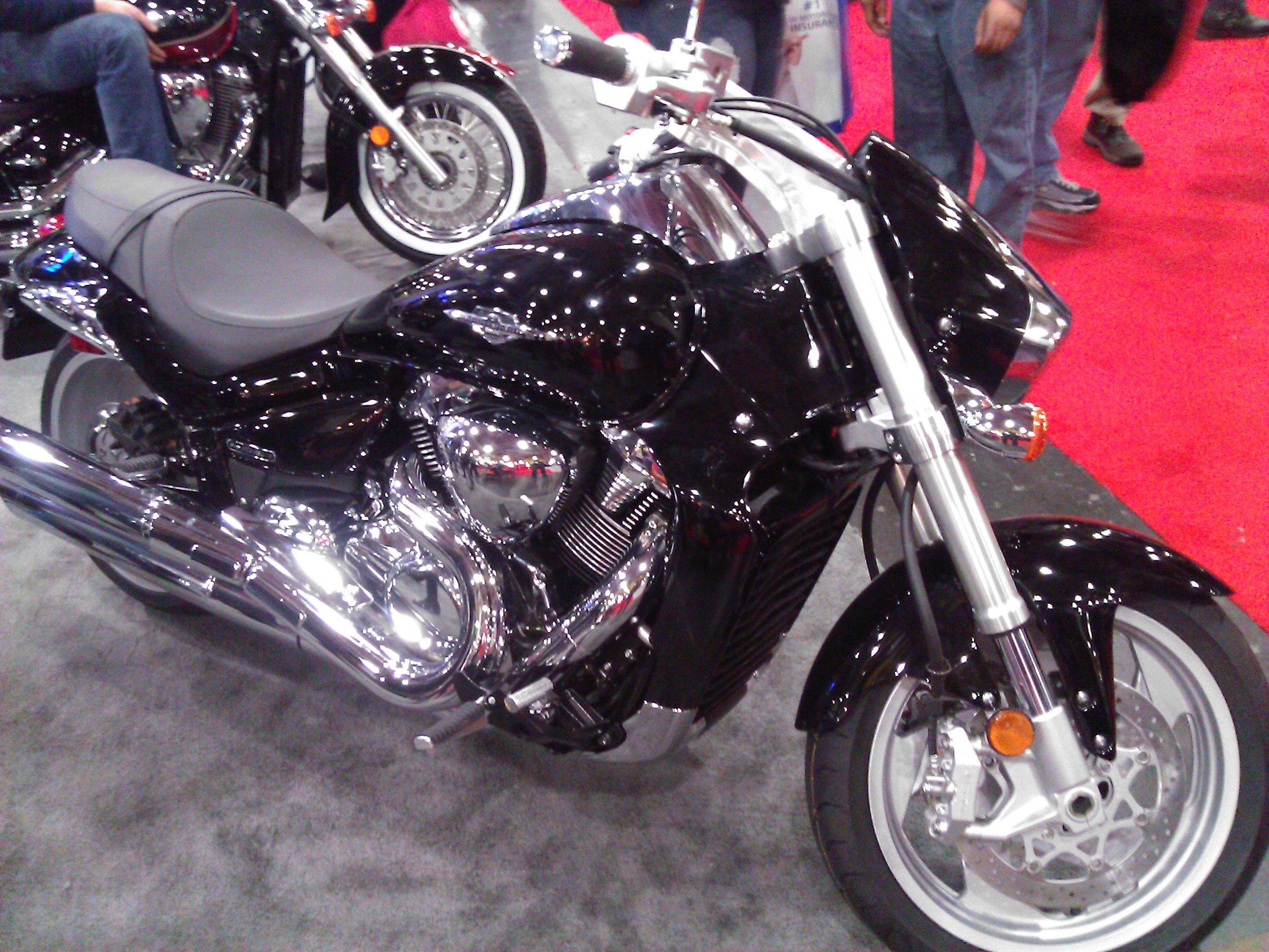 Suzuki boulevard m109r motorcycle cruiser 2013 international motorcycle show in nyc