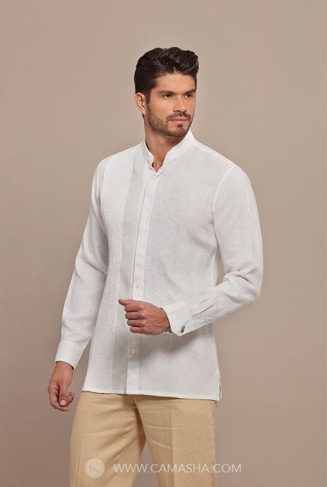 58b67647268 Estilo moderno, Camisa-Guayabera alforzada a mano finamente bordada y ojal  para mancuernillas.