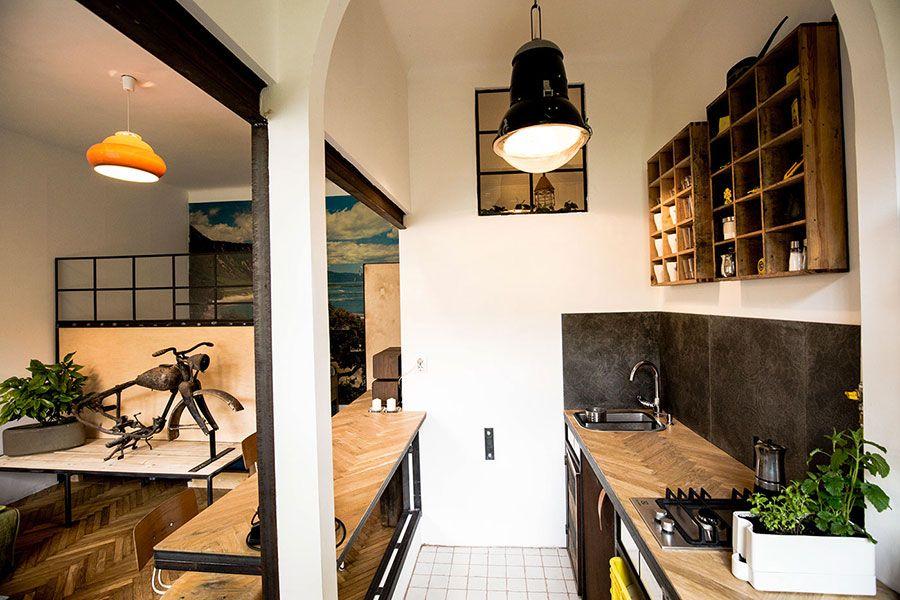 Come Arredare Un Monolocale Di 25 30 Mq Ecco 4 Progetti Dettagliati Mondodesign It Design Appartamenti Monolocale Design Del Prodotto