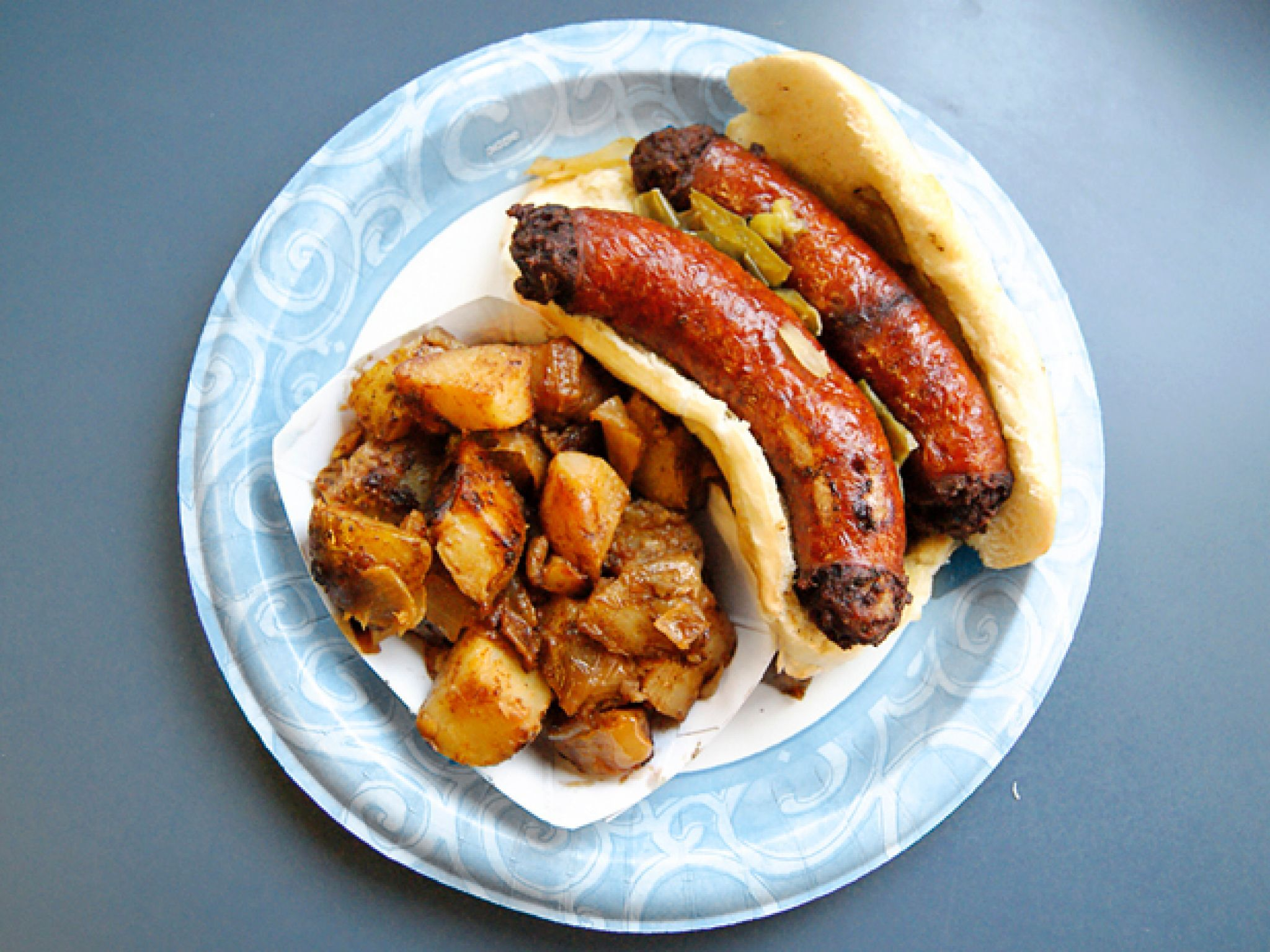Sausage Sandwich From Helen Rsquo S Famous Sausage House Smyrna Delaware Truckers Love This Roadside Eatery For Its Hou Food Network Recipes Food Breakfast