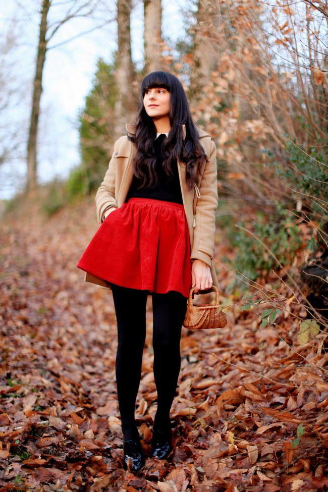 Pull / Jumper : ASOS  Jupe / Skirt : ASOS  Manteau / Coat : Sandro  Chausures / Shoes : Chloé  Collants / Tights : Wolford  Panier : Vintage  -