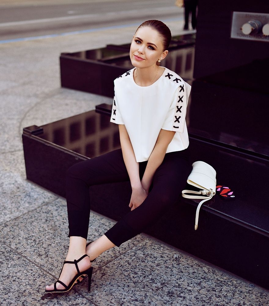 boxy top with skinny pants