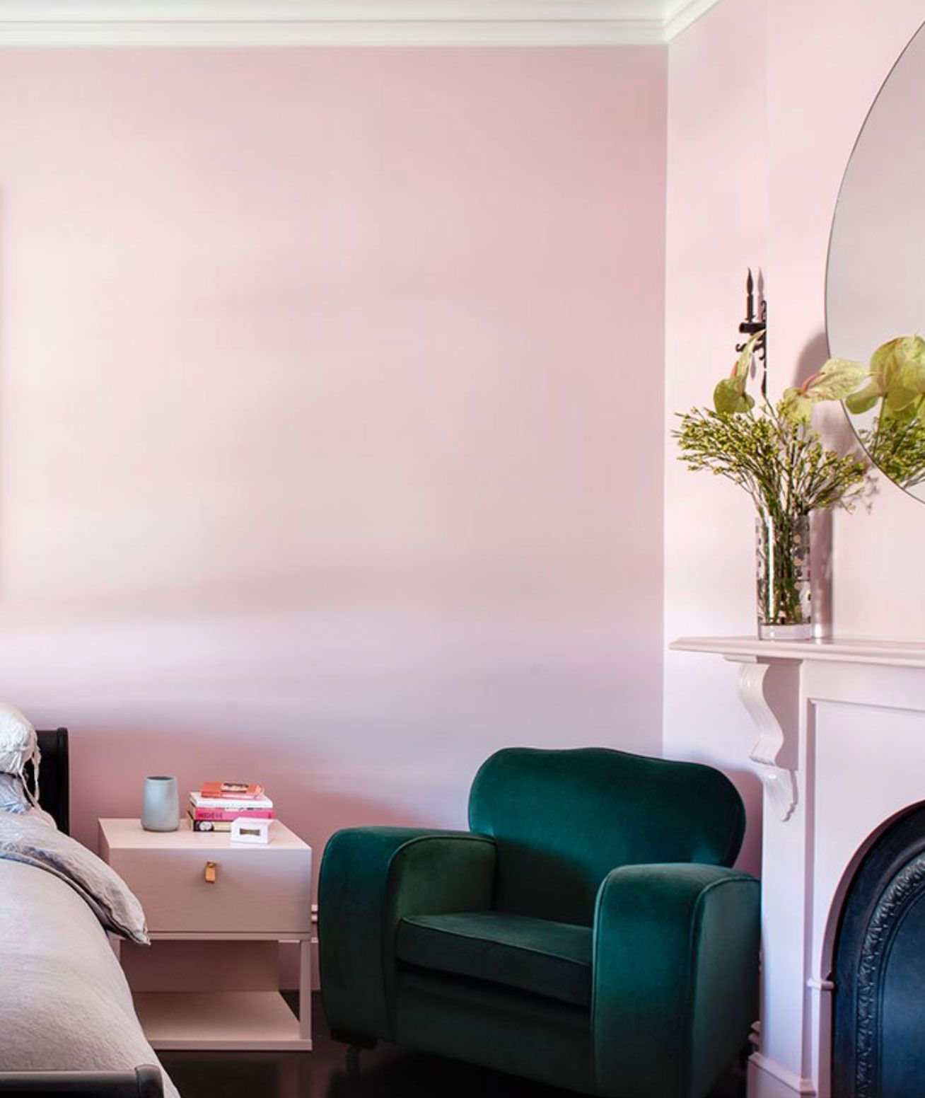 a modern touch of pink. | Pink bedroom walls, Pink bedrooms ...