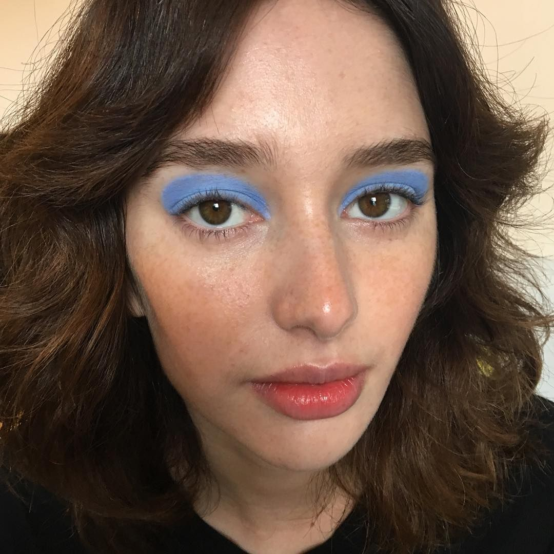 "Katie Moore MUA on Instagram: ""70s inspo with @lulumcardle & @karime_bribiesca 💙🔵 Barely there makeup with pastel half moon eyes. I'm in love with the powdery blue…"""