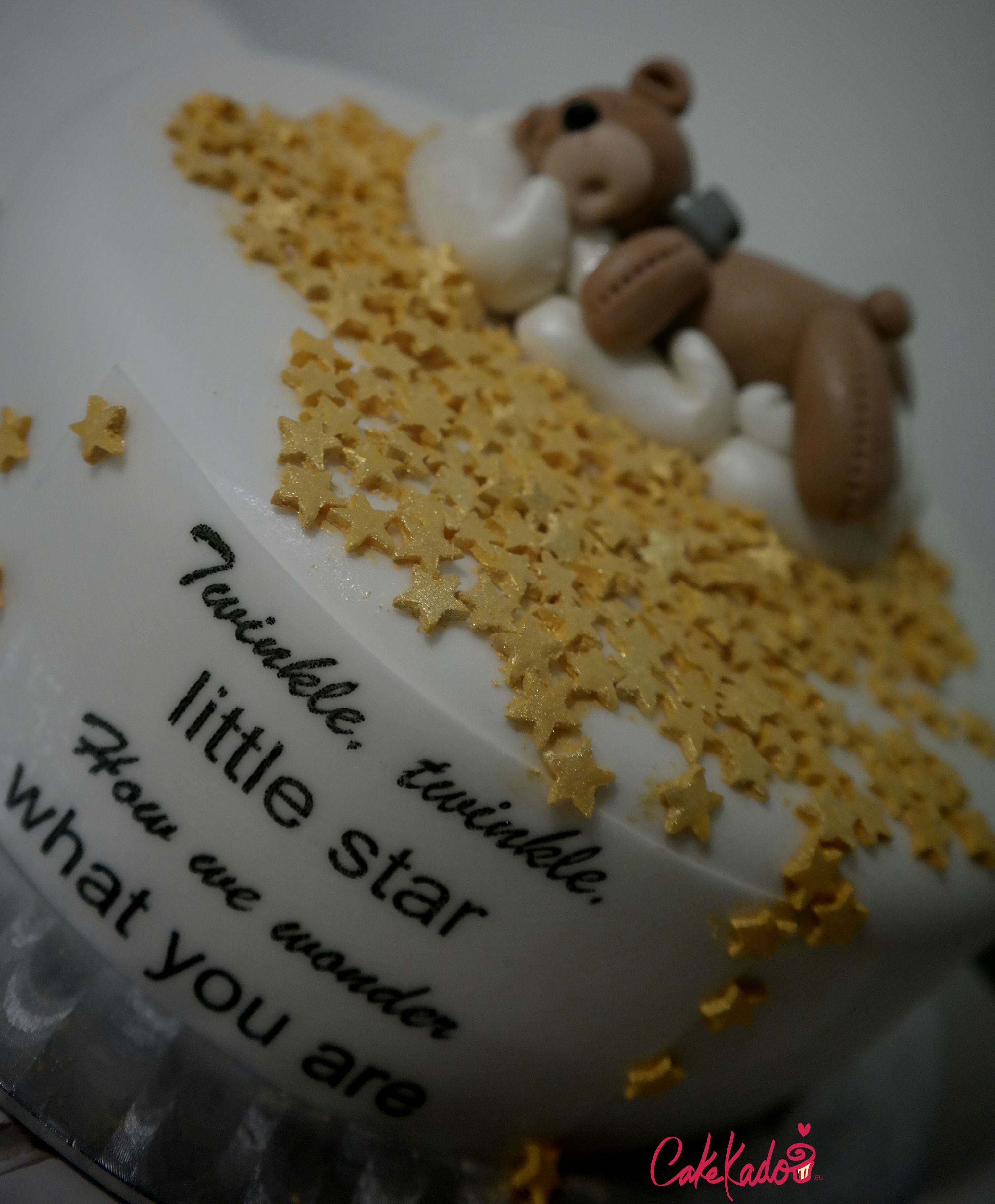 Gender reveal cake Twinkle twinkle little star Love the fondant