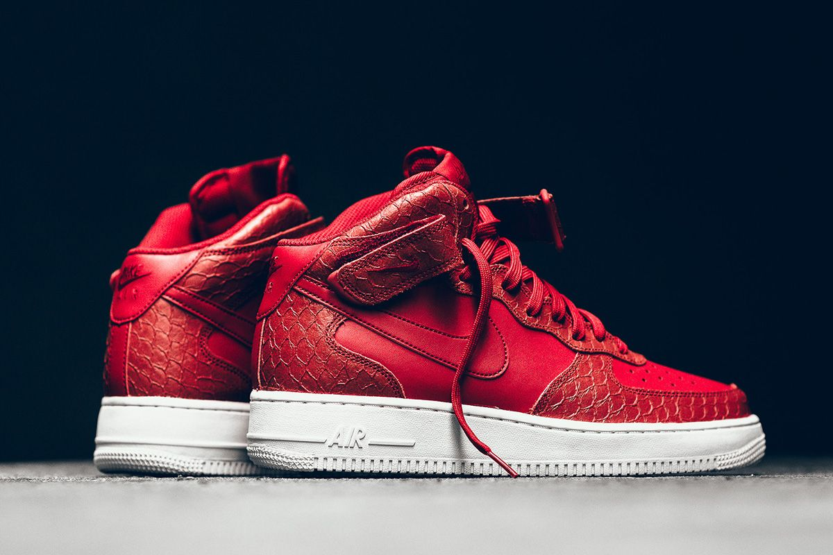 nike air force one red python bag
