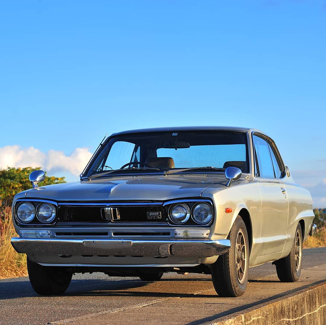 🔵 JDM real masterpiece 🚗 Blue sky and 1972 Nissan Skyline ...  1972 Nissan Skyline Jdm