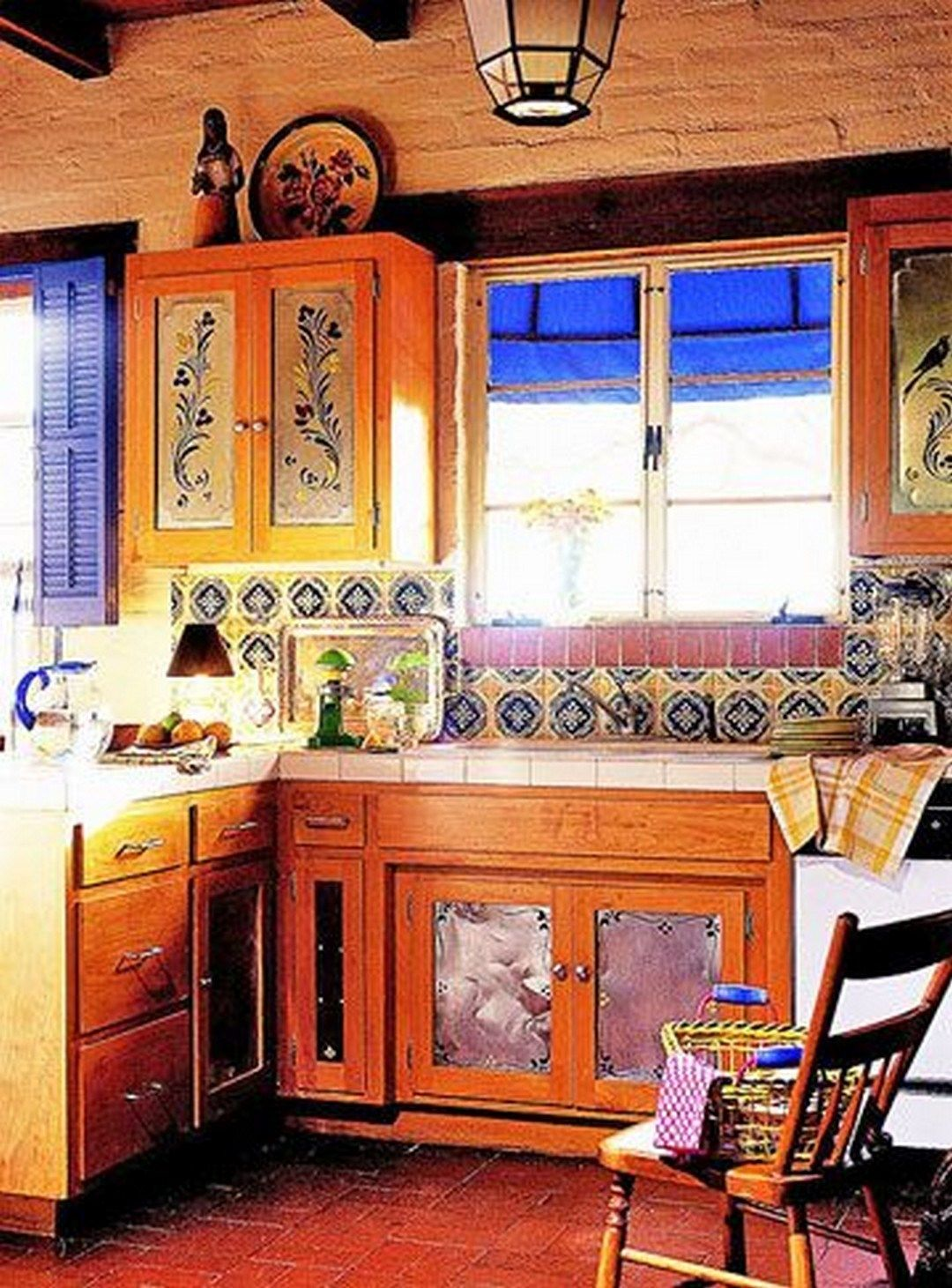 37 Colorful Kitchen Decorating With Mexican Style 12 Mexican Kitchen Decor Mexican Style Kitchens Kitchen Cabinets Decor