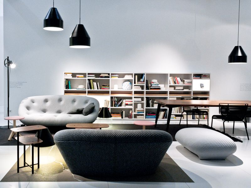 ligne roset stand with the bouroullec s ploum sofa ronan. Black Bedroom Furniture Sets. Home Design Ideas