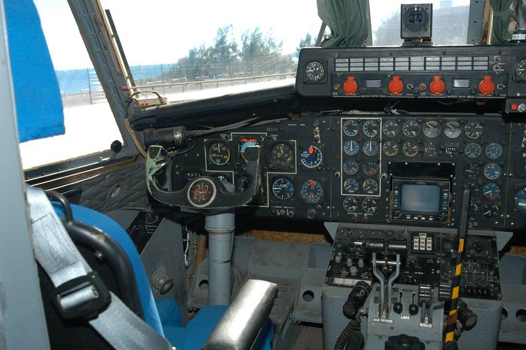 Cabina del T-12 Aviocar