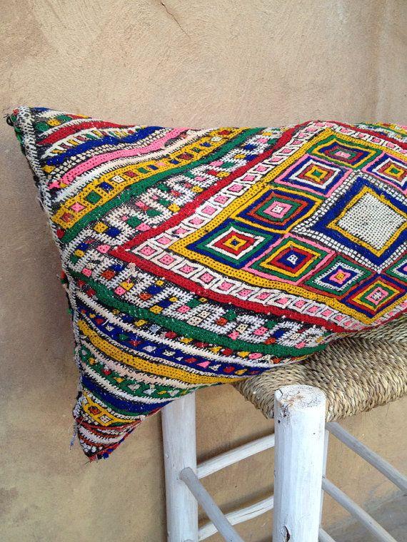 Vintage moroccan tribal berber zemmour kilim pillow - Telas marroquies ...