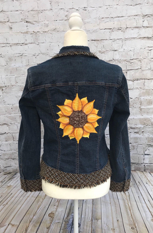 Pin By Nichole Ashley Elder On Jeans Pintado A Mano Painted Denim Hand Painted Denim Jacket Denim Jacket [ 3000 x 1973 Pixel ]