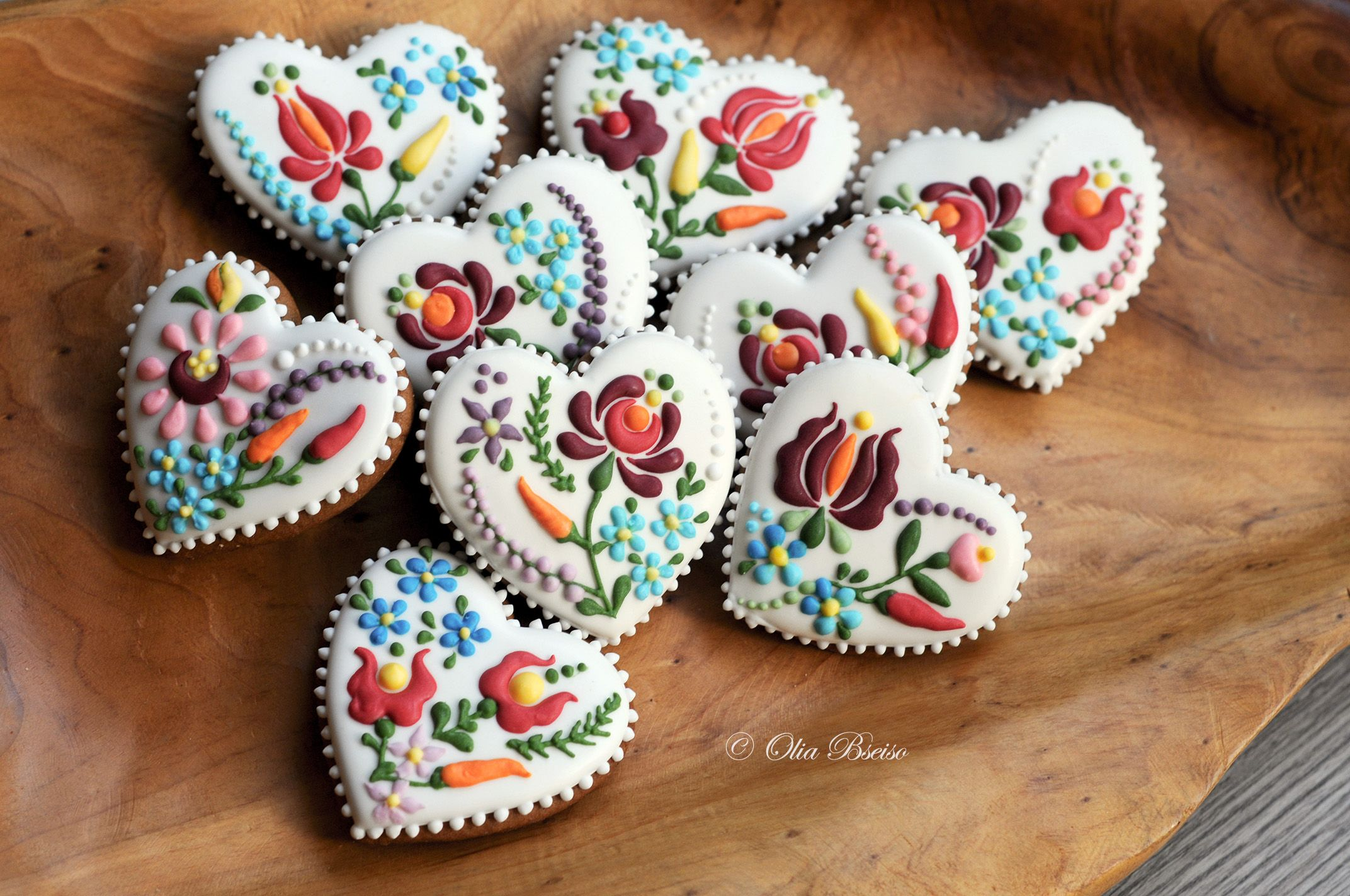 Mini Gingerbread Hearts Hungarian Folk Embroidery Inspirations