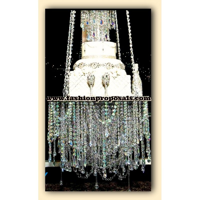 Suspended cake stand Chandelier, The hottest cake online, the ...