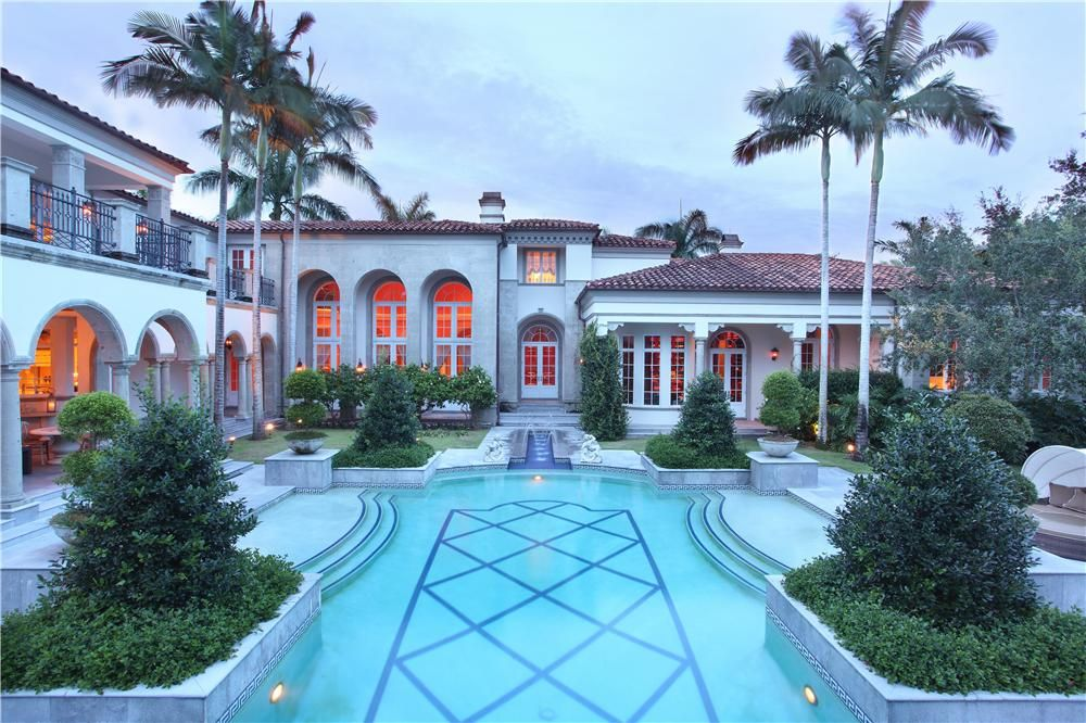 There Are Now More Pictures Available Of 6021 Le Lac Road In Boca Raton Florida The Lakefront Tuscan Style Estat Florida Beach House Home Trends Florida Home