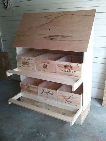 Wine crate nest boxes crates lift out for cleaning for Wooden chicken crate plans